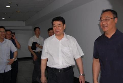 黑龙江省人大常委会党组书记、副主任胡亚枫一行来我公司考察指导